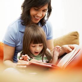 mom_daughter_reading